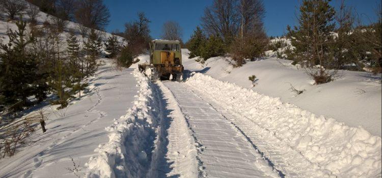 Рашчишћавање снежних падавина у МЗ Дукат